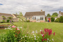 Brize Norton Road Detached Bungalow to rent