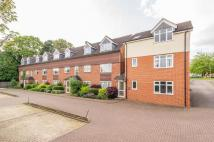 2 bed Flat in Larch Close, Botley...