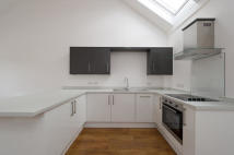 1 bedroom Flat to rent in Lakesmere Mews...