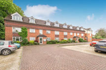 Flat to rent in Larch Close, Botley...