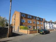 2 bed Flat to rent in Kenilworth Court...
