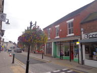Flat to rent in High Street, Dawley...