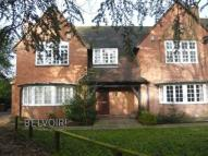 2 bedroom Flat in Burton Road...
