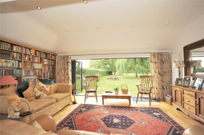 Lounge - View 2
