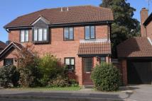 3 bed semi detached home in Bell Close, Beaconsfield