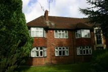Flat to rent in Burkes Road Beaconsfield