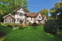 5 bed Detached property in Hazlemere