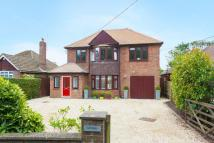 Detached house in Widmer End