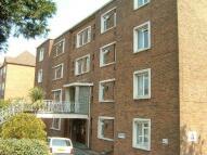 Studio apartment in Hill Lane...
