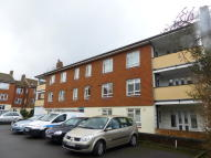 2 bedroom Apartment to rent in Kemsing Close, Bromley...