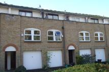 Flat to rent in Hayes, Bromley, BR2