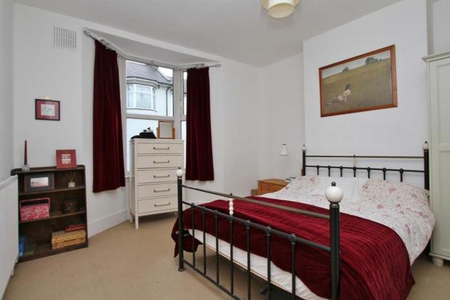 bed 1 (3).jpg