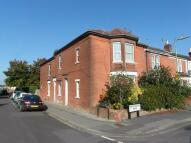 Apartment to rent in Desborough Road...