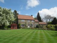 4 bed property in Friar's Close...