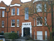 Ground Flat for sale in Flanders Road, Chiswick
