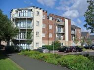 Ground Flat in Charlton Court...