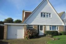 Detached house in WINNERSH An attractive...