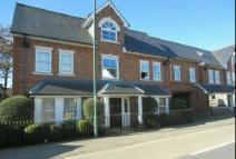 Flat to rent in South Ascot - First...