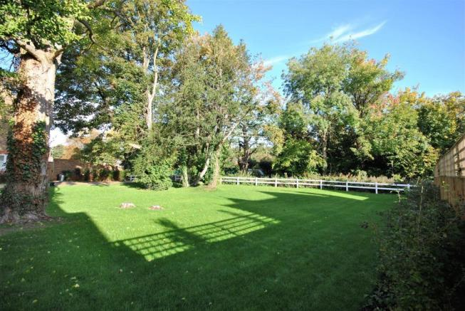 communal gardens.JPG