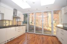Flat to rent in Holywell Hill, St. Albans