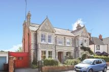 6 bed semi detached home in Eastern Avenue, Reading
