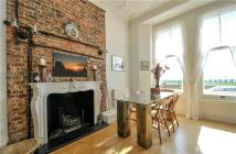 3 bedroom Flat for sale in Kings Gardens, Hove...