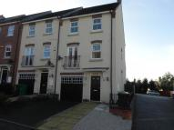 3 bed Town House to rent in Langdon Close, Sherwood...