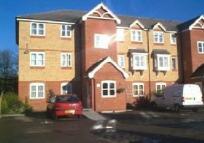1 bedroom Flat to rent in Woodfield Road...