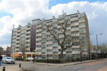 Flat to rent in Comyns Close, London, E16