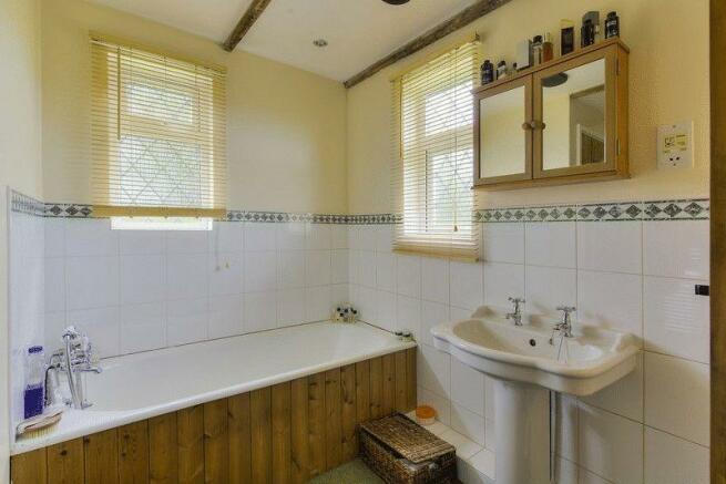Bathroom (Grou...