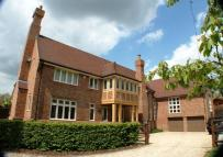 Detached property in Harvard Grange, Stock