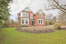 6 bed Detached house in The Elms, Well Lane...