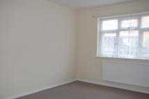 Ground Flat to rent in West Street...