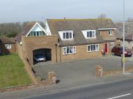 5 bedroom Detached property in Hythe Road, Dymchurch...