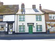 Flat to rent in High Street, New Romney...