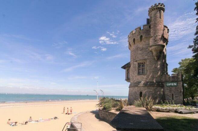 Ryde-Beach-Isle-of-Wight-3.jpg