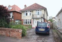 4 bedroom Detached home in Grand Avenue...
