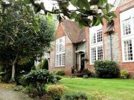2 bed Mews in Stokes View, Pangbourne...