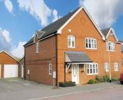 3 bed semi detached home in Skylark Way, Shinfield...