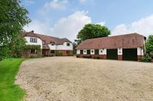 6 bed Detached house in Hadden Hill...