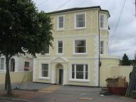 Studio apartment in Upper Grosvenor Road...