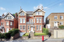 2 bed Flat to rent in 2 Molyneux Park Road...