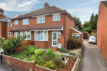 3 bedroom semi detached home to rent in Clifton Road...
