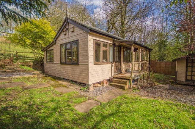 2 Bedroom Lodge For Sale In DUNROMIN Northwood Lane Bewdley