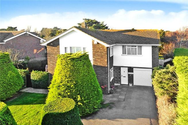 4 bedroom detached house for sale in willowhayne east