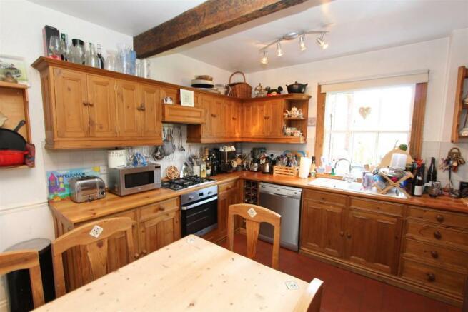 3 Bury Hall kitchen 2.jpg