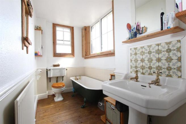 3 Bury Hall bathroom.jpg