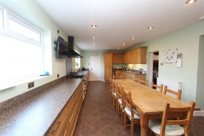 Kitchen1_4224.JPG