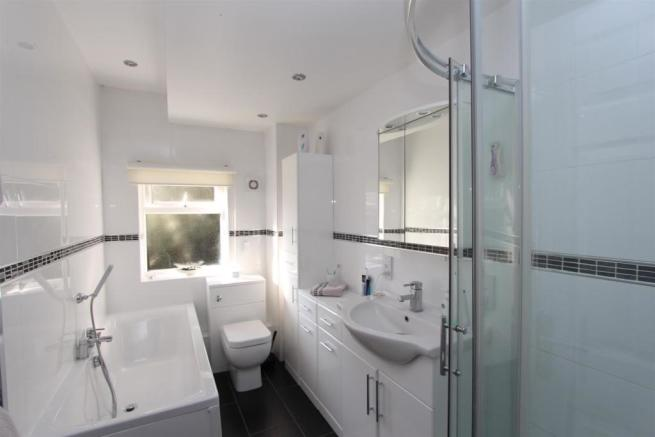Bathroom3_4197.JPG