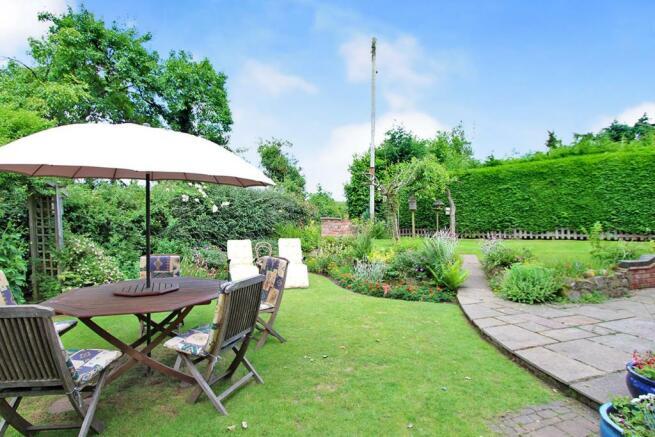 Cartref garden2.JPG